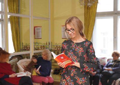 """Мариана Гугалова с книгата """"Нямам време да имам време"""""""